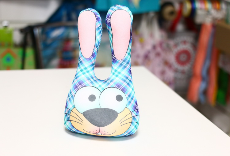 Игрушка заяц головастик синий в клетку