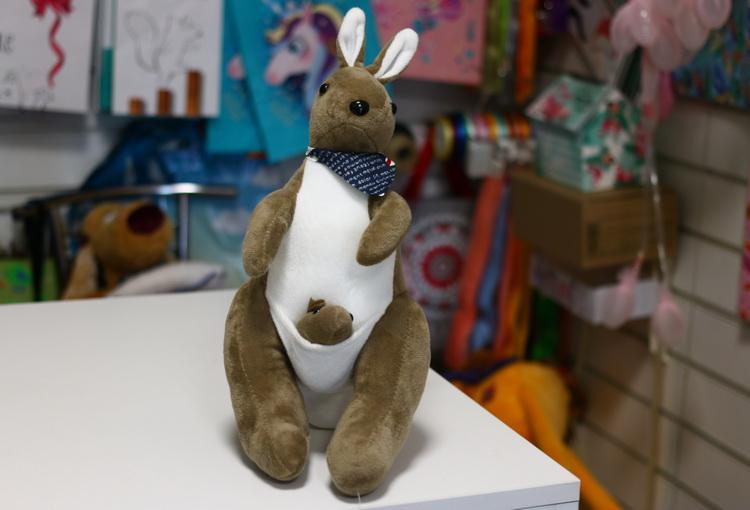 Игрушка кенгуру коричневый