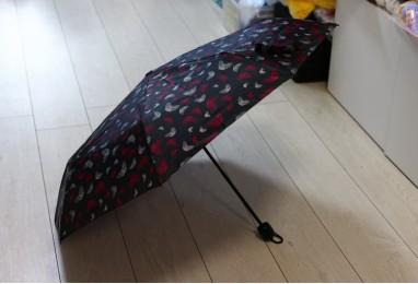 Зонт черный с бабочками
